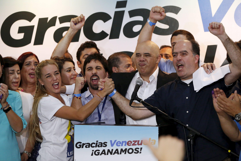 Policía venezolana ingresa a casa de líder opositor Leopoldo López