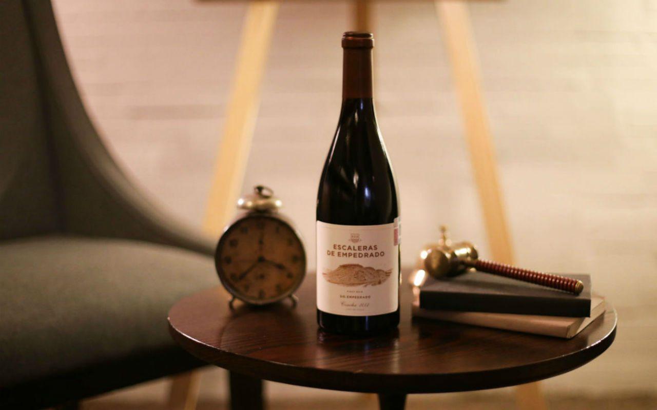 Escaleras de empedrado, el vino Premium de la Bodega Torres llega a México