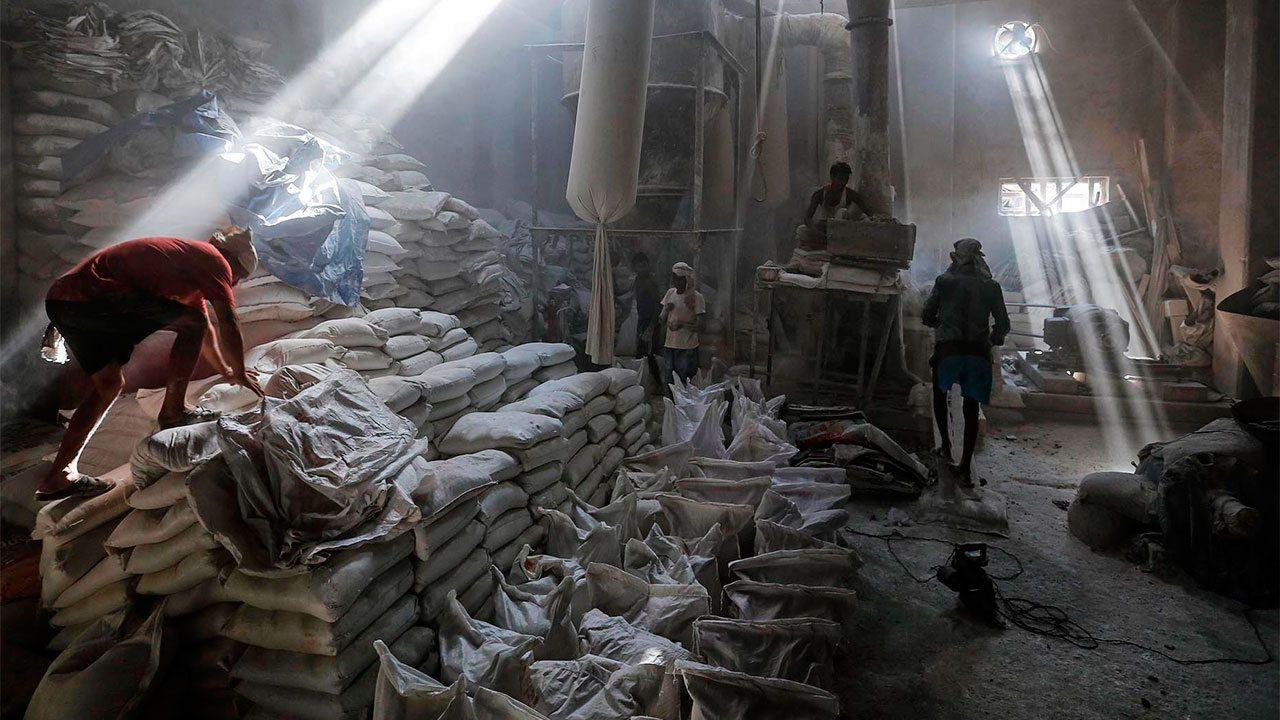 Cofece investiga prácticas monopólicas en mercado del azúcar