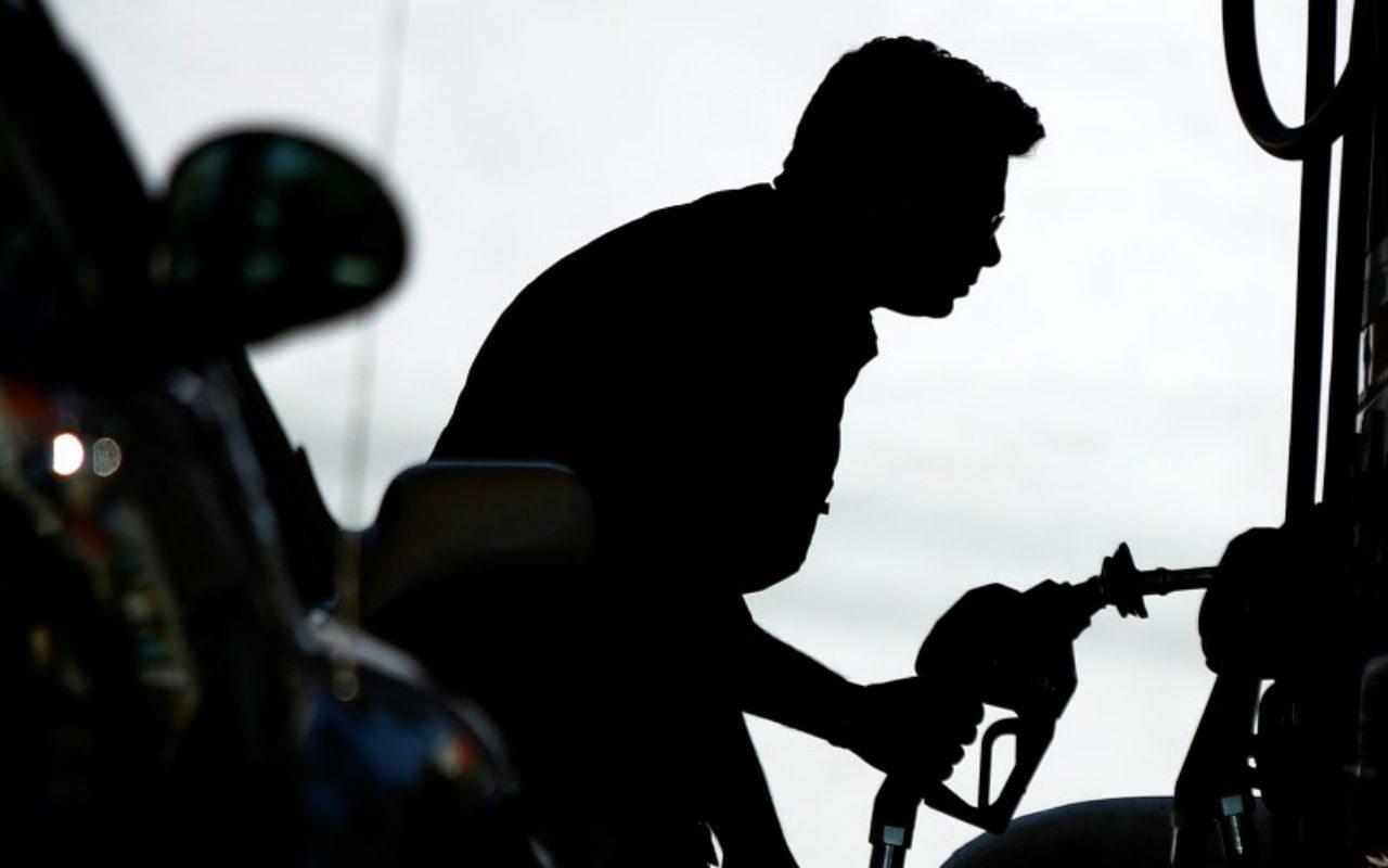 La gasolina magna ya cuesta 21 pesos en partes de México