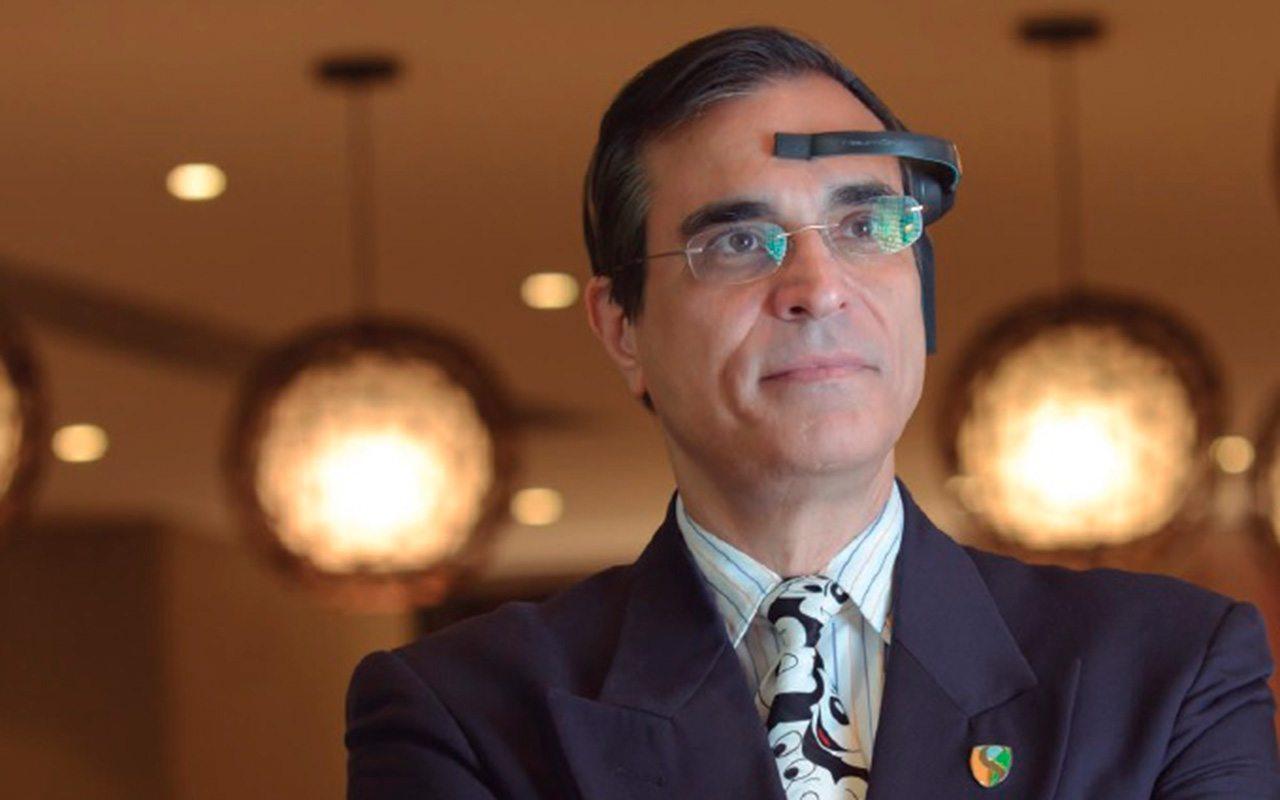 Este hombre asegura que el petróleo y la muerte dejarán de existir • Forbes México