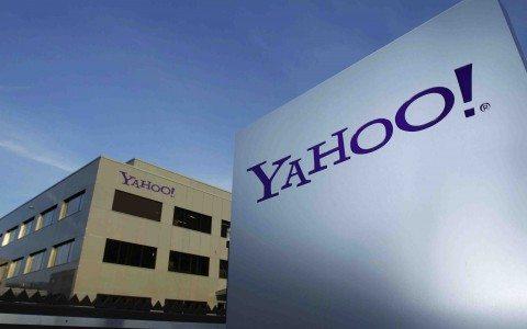 Yahoo entierra su nombre mientras renuncia su CEO