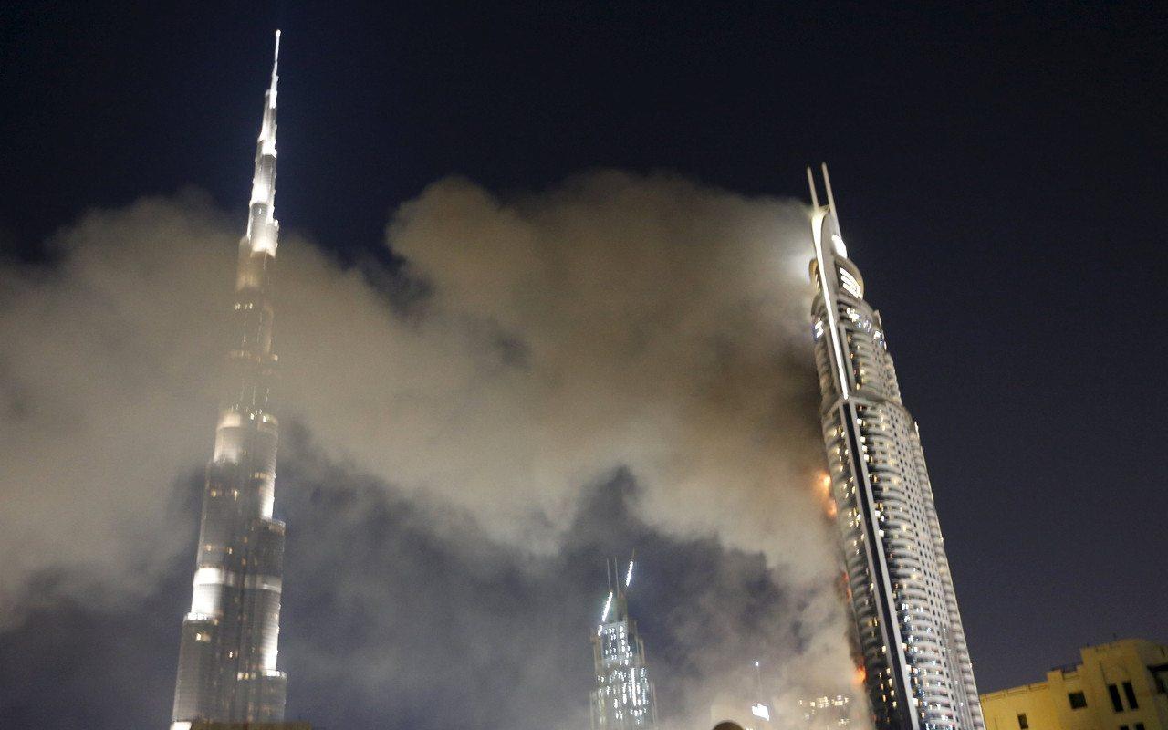 Dubái investiga causas del incendio en hotel de lujo • Forbes México