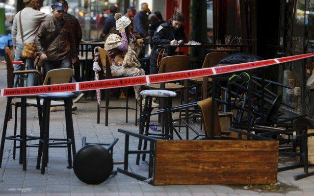 Un cordón policial cerca de la escena de un tiroteo en Tel Aviv, Israel (Foto: Reuters)