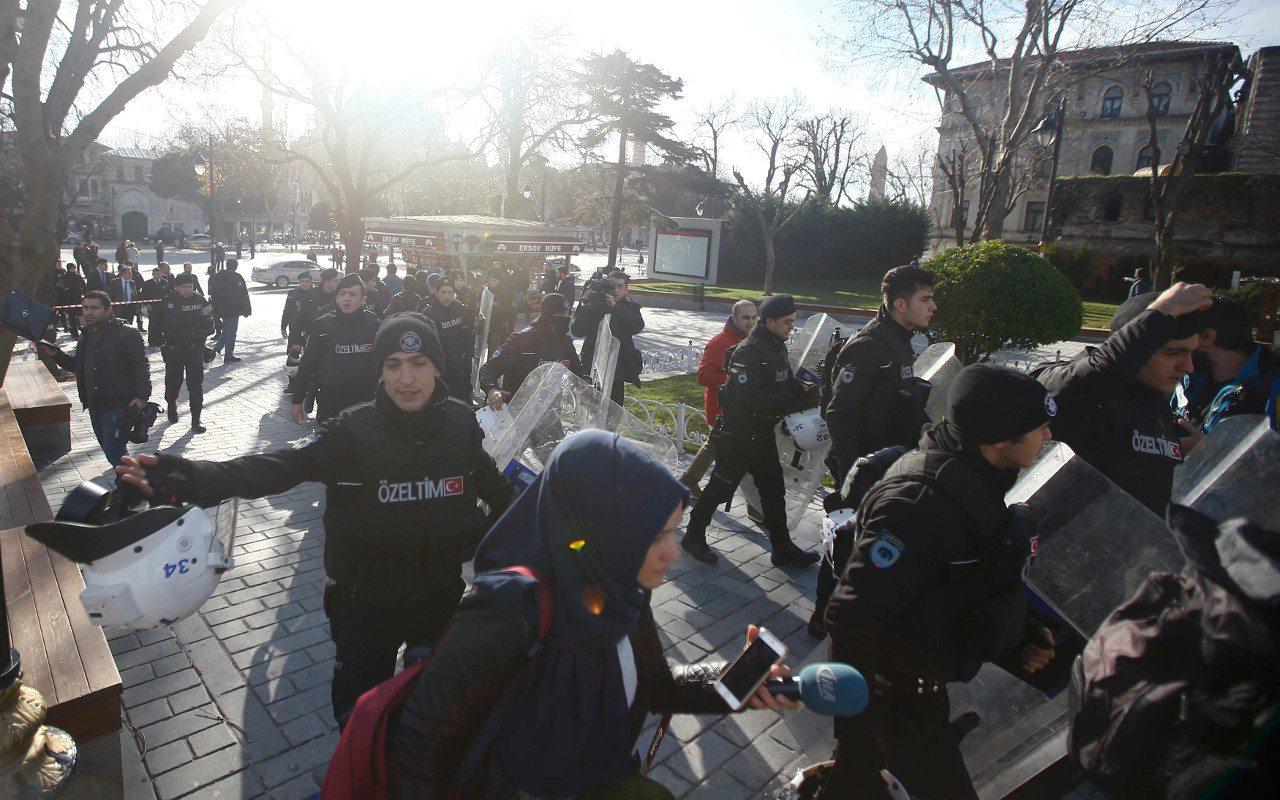 Ataque en Estambul deja al menos 10 muertos