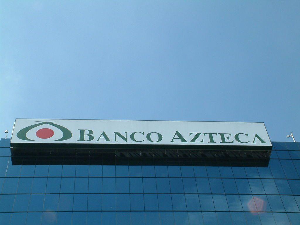 Banco Azteca sale de El Salvador