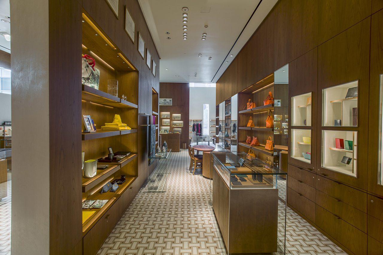 Hermès se reinstala en Panamá