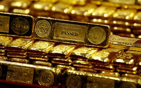 """El """"desplome"""" del oro, una advertencia para el peso"""
