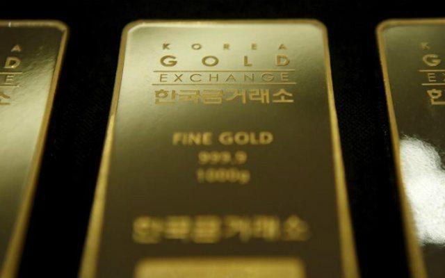 Una barra de oro de un kilo de peso almacenada en Seúl, jul 31, 2015 (Reuters).0