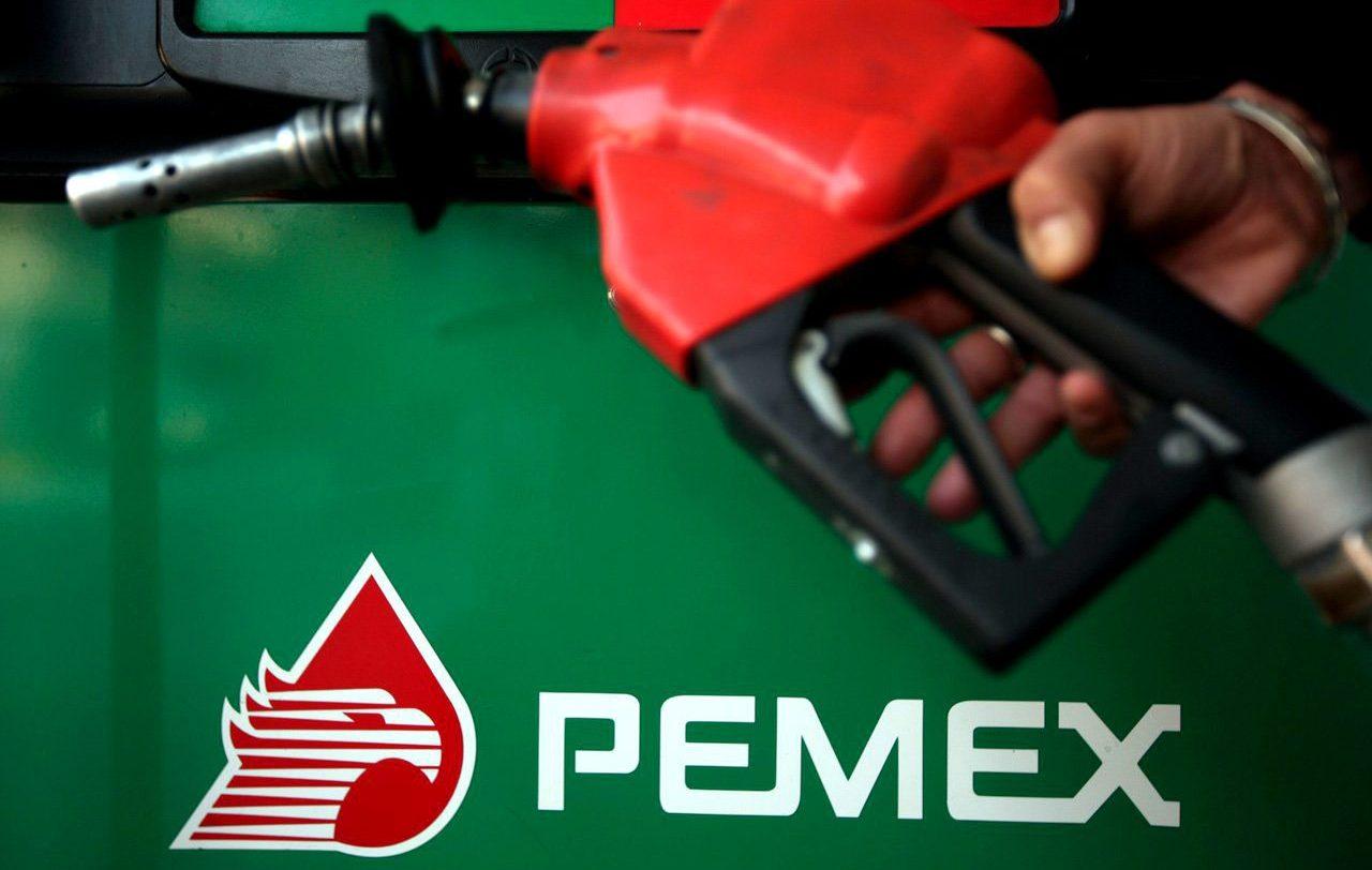 Invertir en refinación, negocio peligroso para Pemex: Moody's