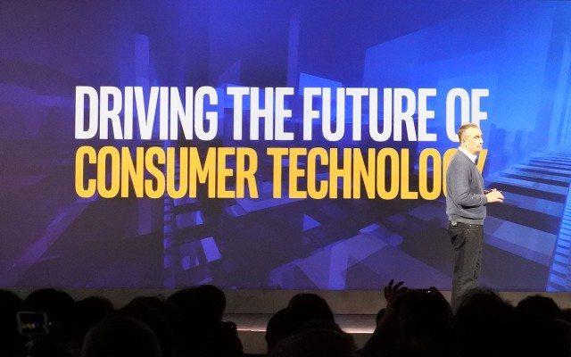 Brian Krzanich, CEO de Intel, durante su keynote en el CES 2016. (Foto: Staff.)