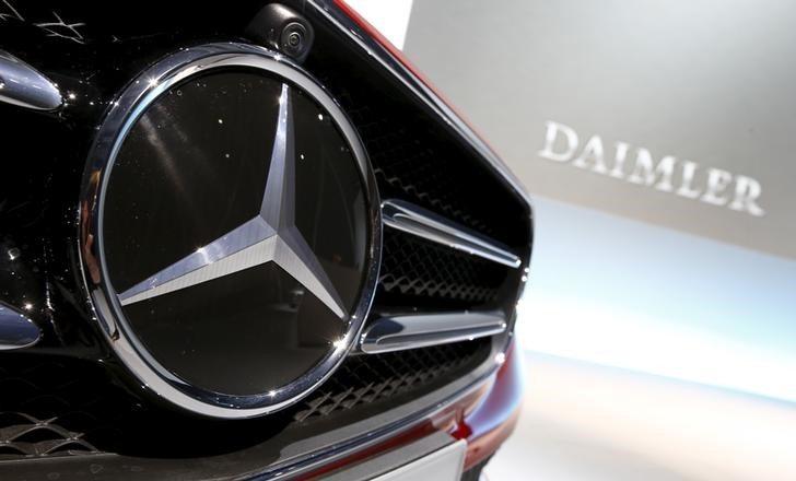 Profepa multa a Daimler por vender autos sin certificado