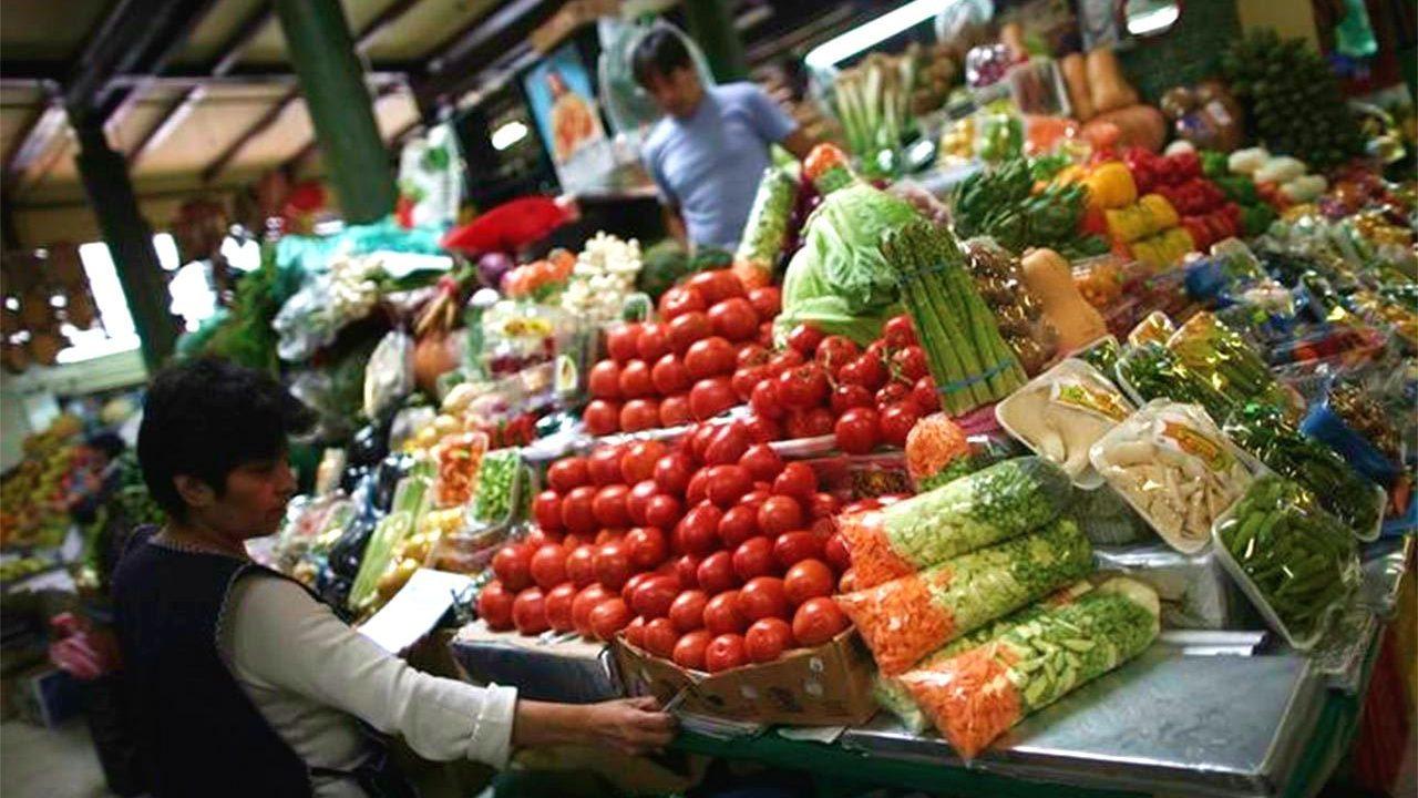 Encuesta de Banxico prevé que inflación cierre en 5.9% este año