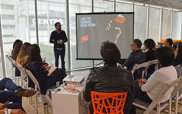 Adolfo Babatz, CEO de Clip, durante su charla en el festival NewCo. (Foto: Cortesía.)