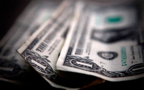 Peso sufre 'martes negro': dólar se vende en 19.15 pesos en bancos