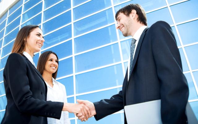 Un entrevistador hábil establece un ambiente de confianza durante la conversación. (Foto: occ.com.mx)