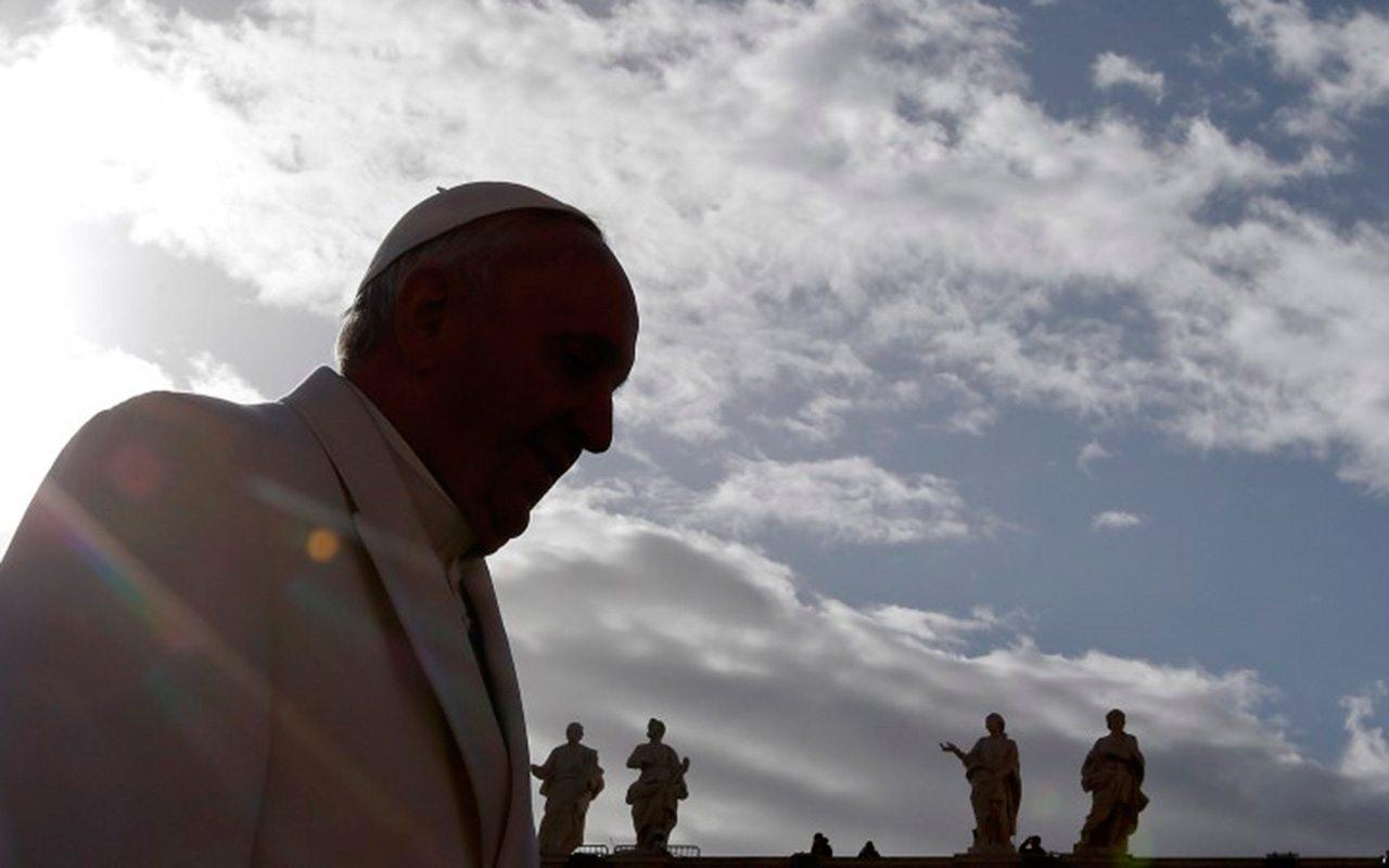 """Papa Francisco condena """"maldad"""" de las fake news y su uso político"""