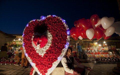 Mexicanos gastarán en amor y amistad 20,800 mdp
