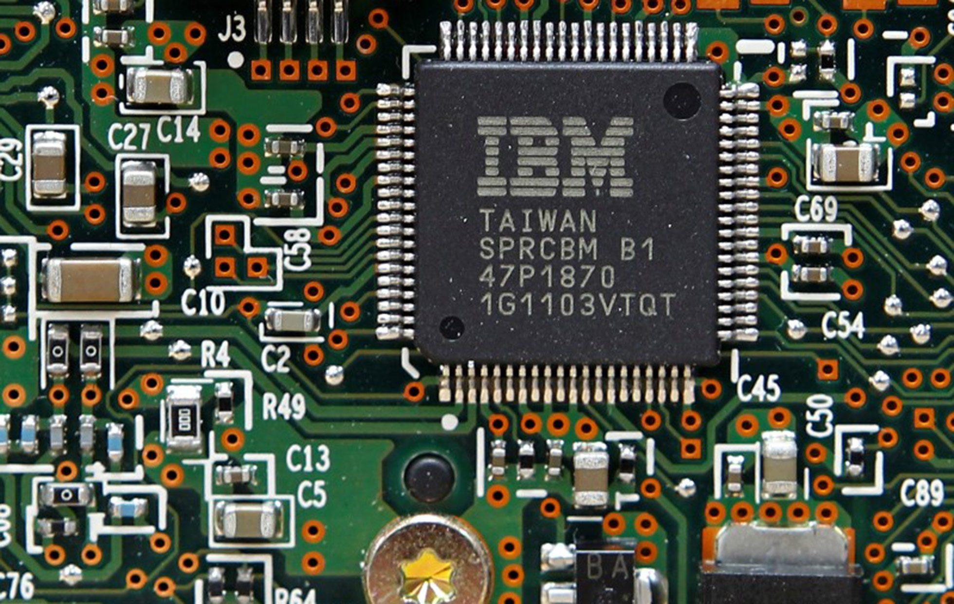 Ventas de IBM superan previsiones por computación en nube y servicios de seguridad