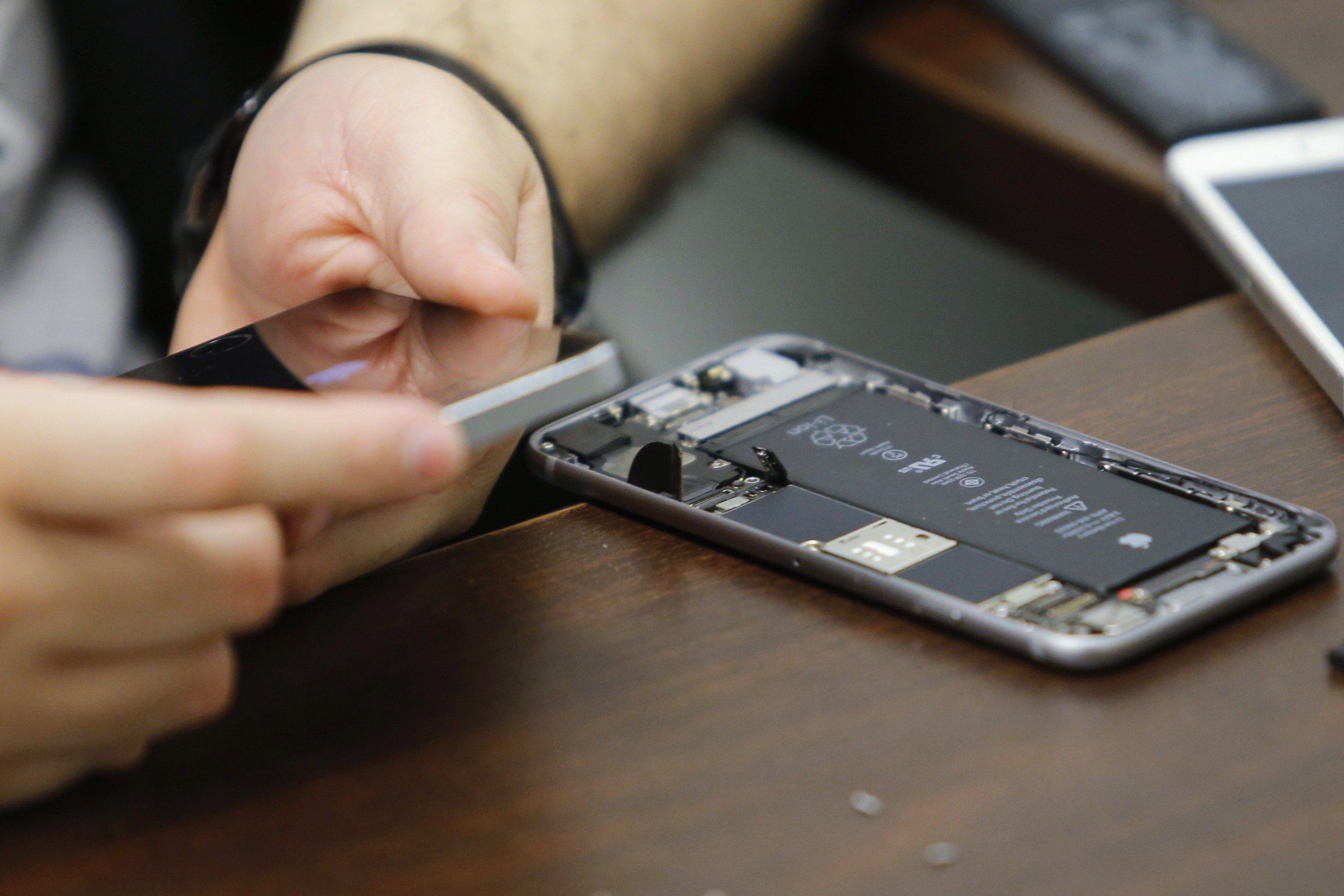 Apple planea primera compra de chips con un fabricante chino