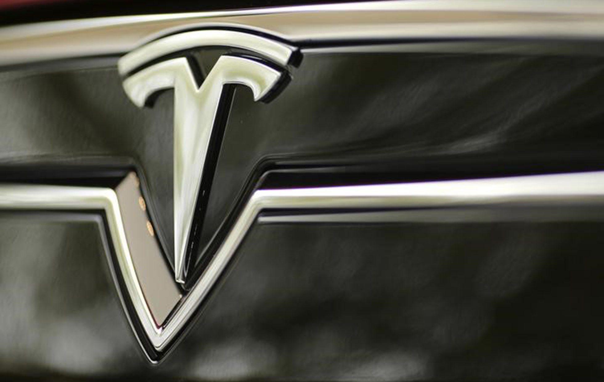 Valor de Tesla supera los 800,000 mdd por primera vez