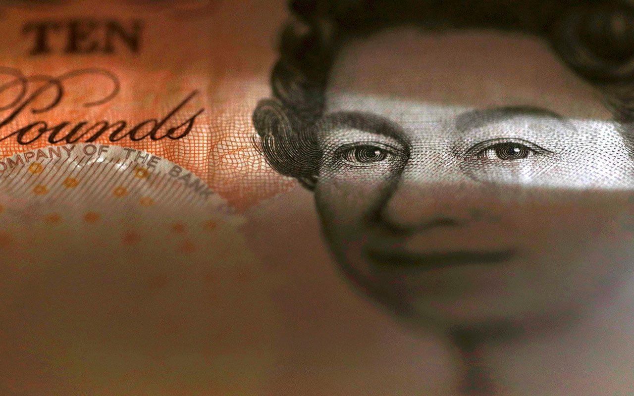 Banco de Inglaterra conserva tasas en su mínimo histórico