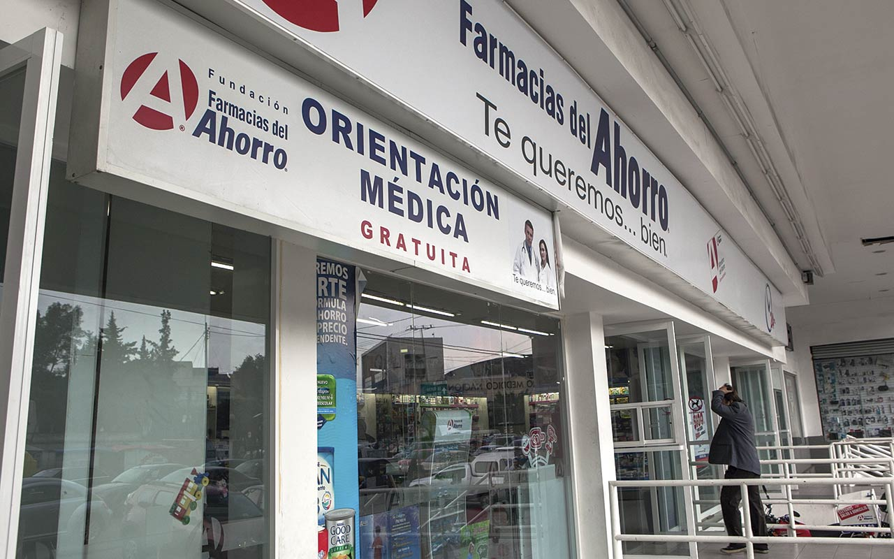 CDMX capacitará a médicos de farmacias para detectar Covid-19