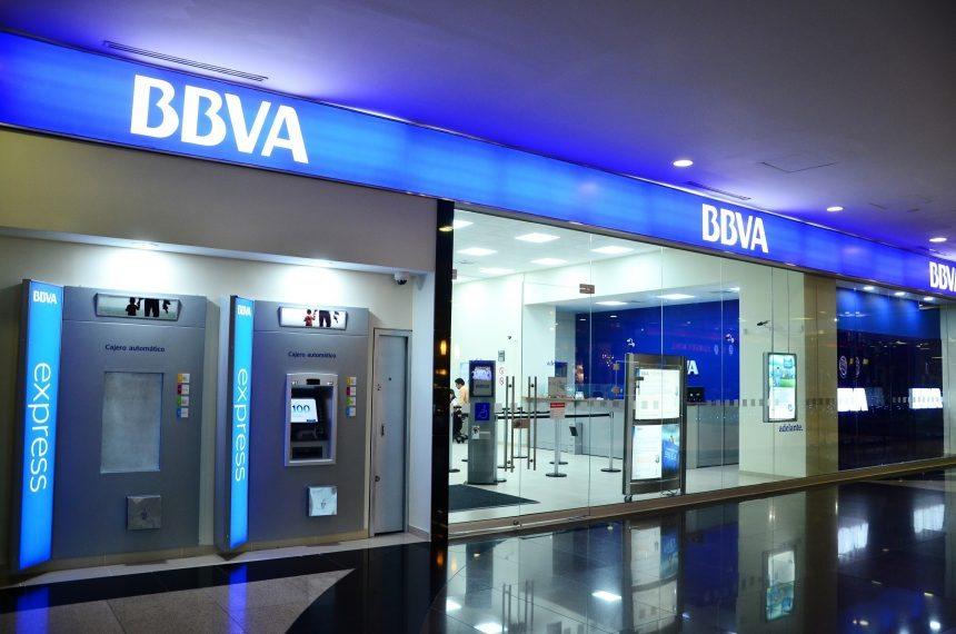 Dependiente de filial en México, BBVA cae en la bolsa de España