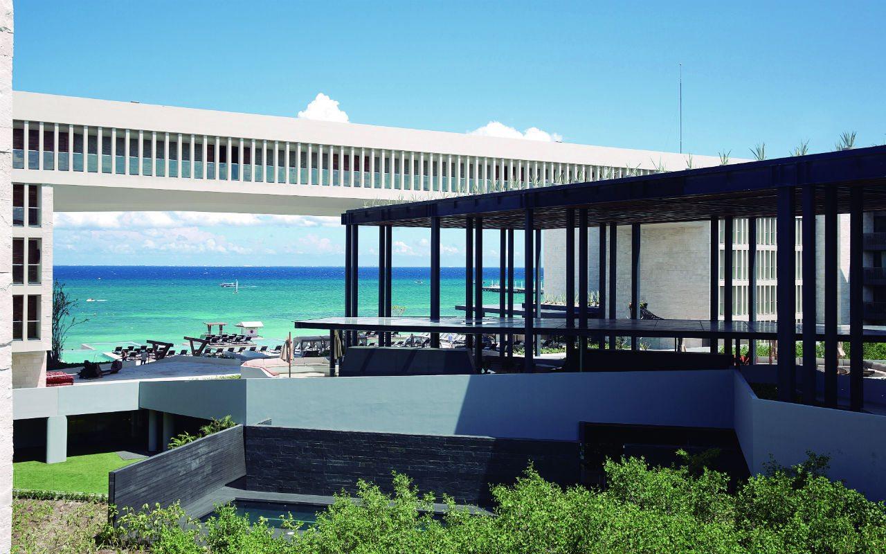 Hyatt Playa del Carmen, el gigante Maya