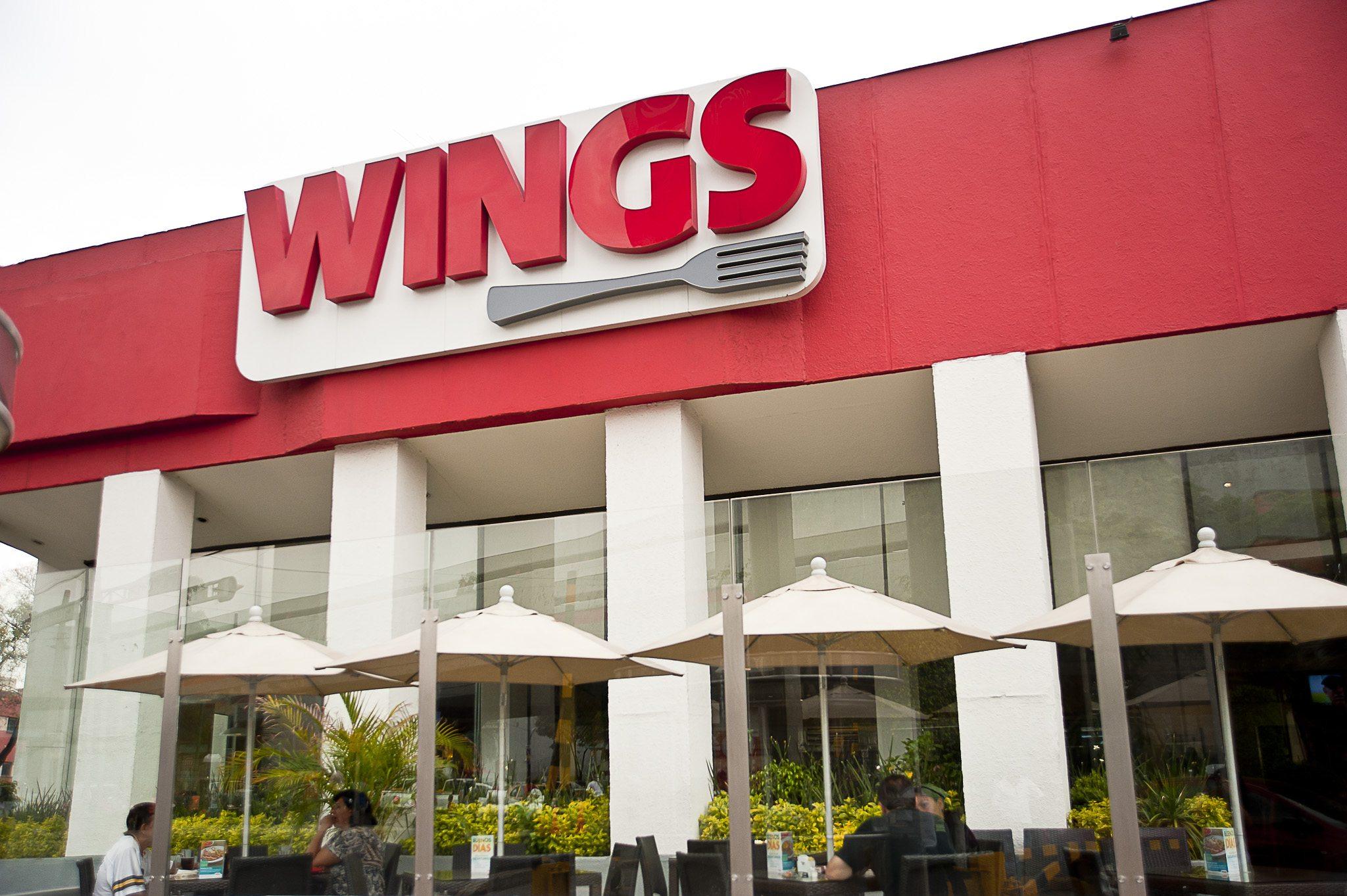 CMR transferirá 6 sucursales Wings a Grupo Gigante