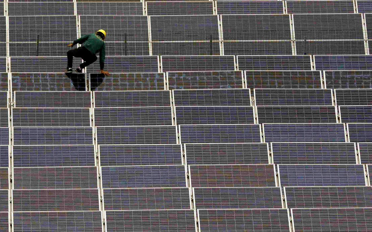 Fonatur plantea 10 parques solares para abastecer el Tren Maya