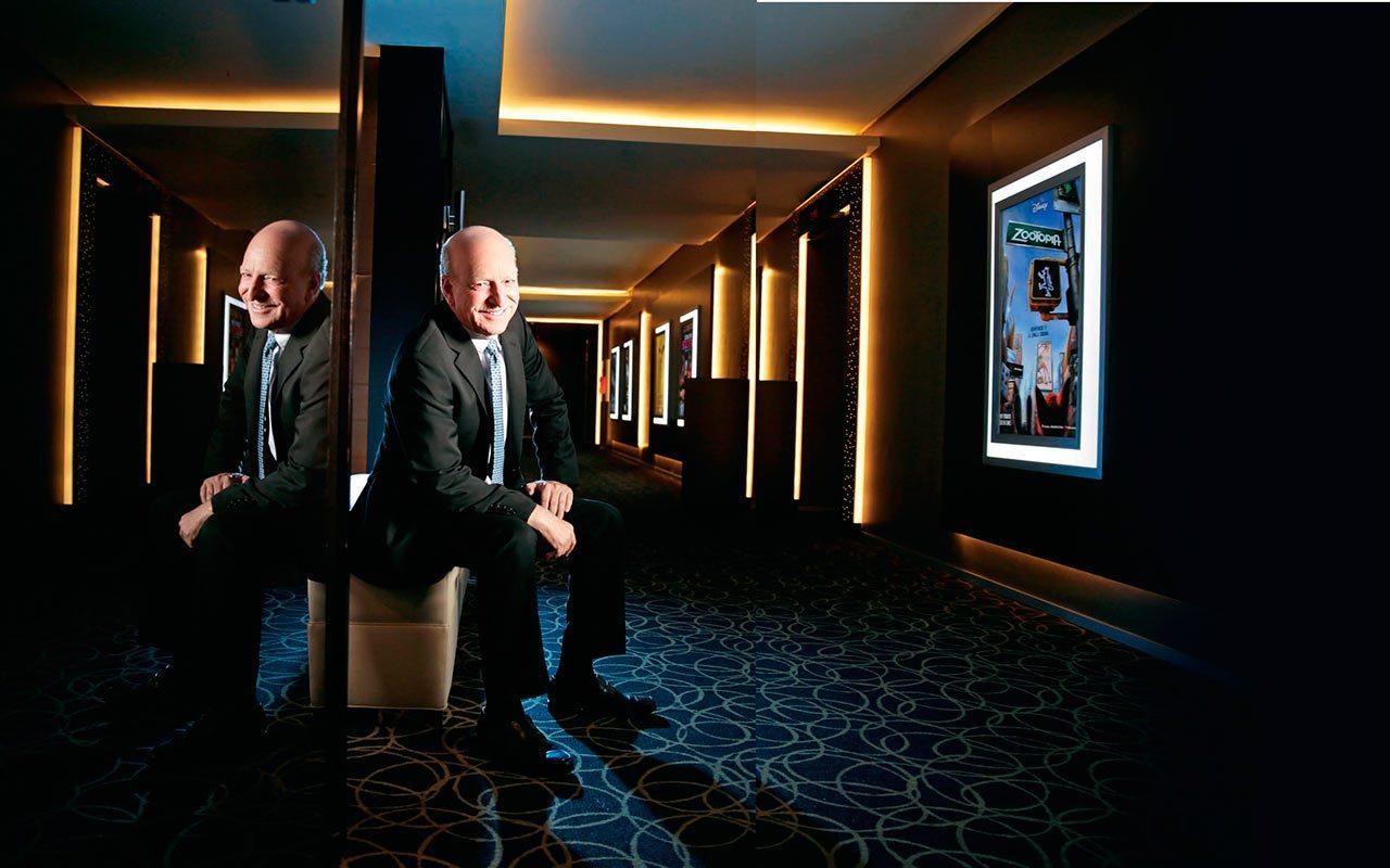 La batalla de las salas de cine contra el streaming en el Caribe