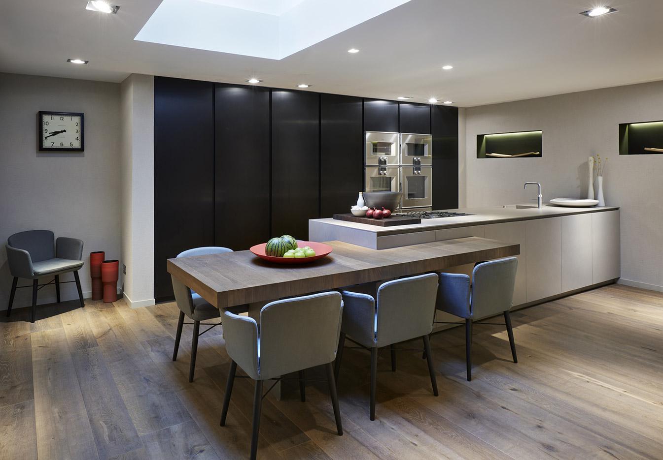 4 cocinas para ser tu propio chef en casa forbes m xico for Suspension de cocina moderna