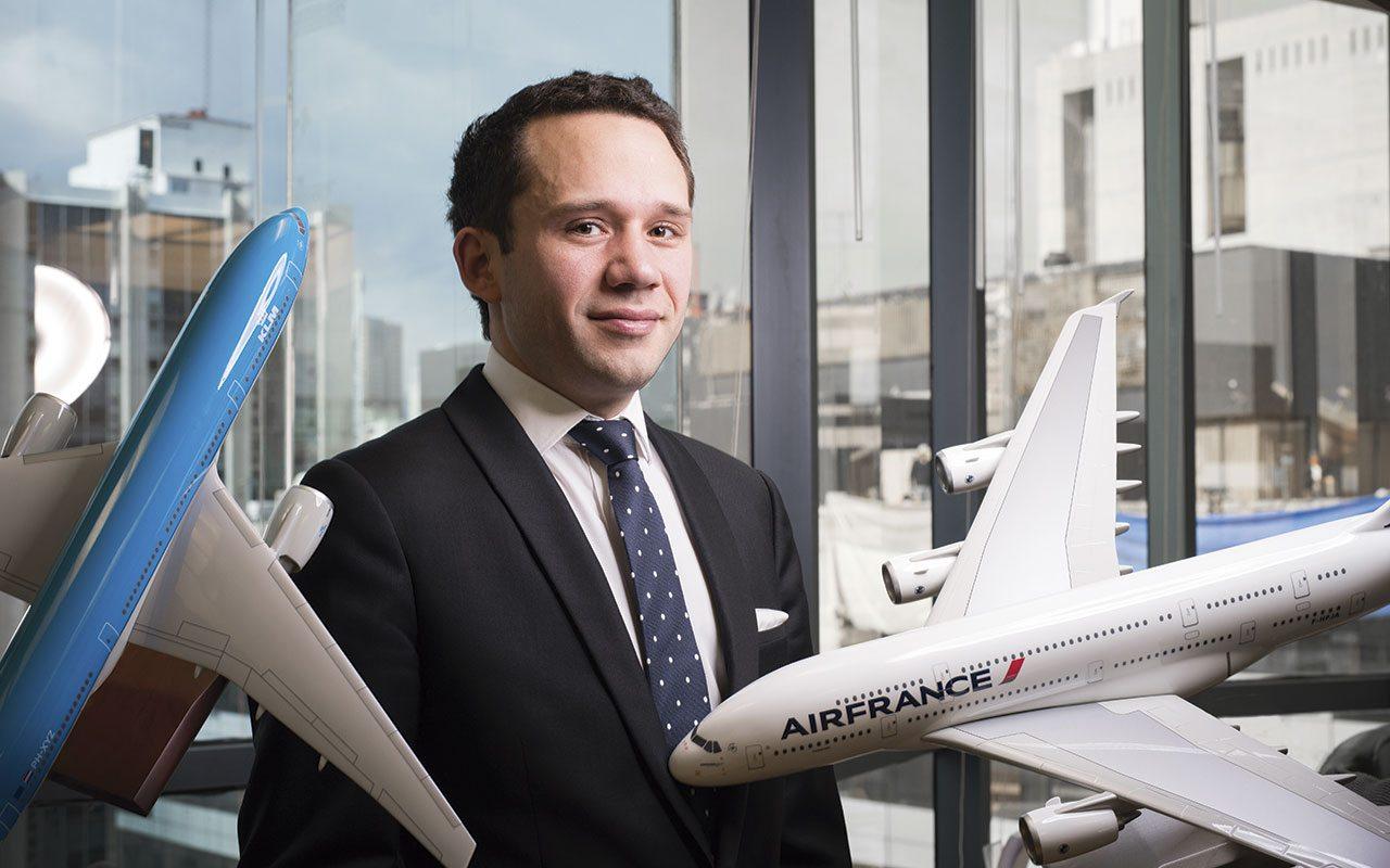 Tiene 33 años y está a cargo de Air France y KLM en México