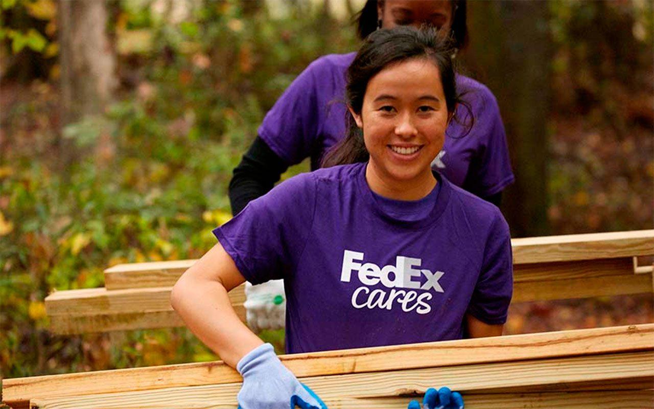 FedEx compra de empresa de mensajería por 4,400 mde