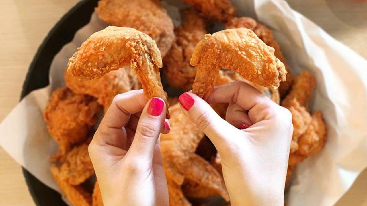 Pandemia genera escasez de alitas y 'chicken tenders' en México y el mundo