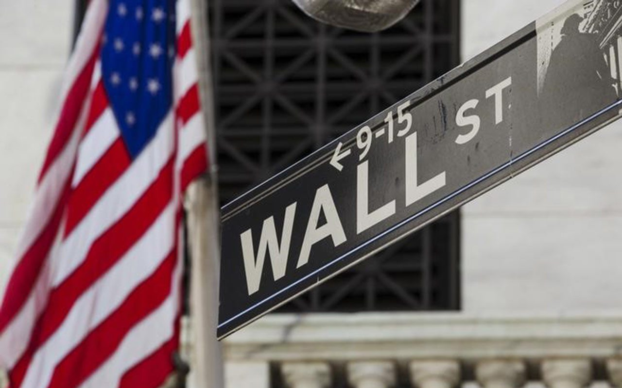 Wall Street corta racha alcista por Apple y comercio con China
