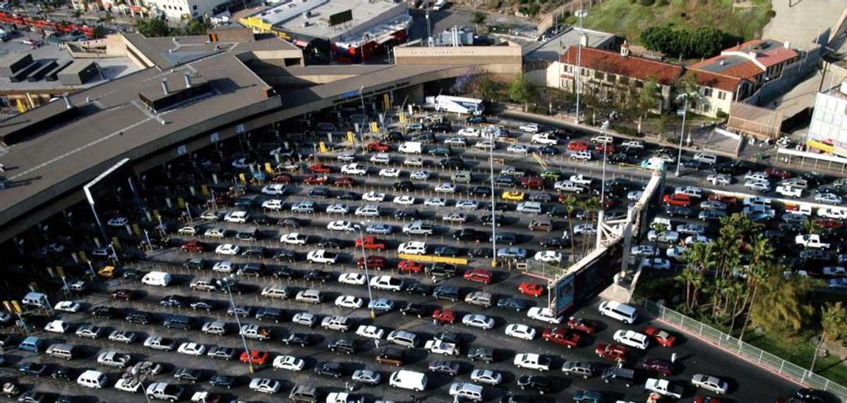 Estadounidenses vienen de shopping a México por devaluación del peso