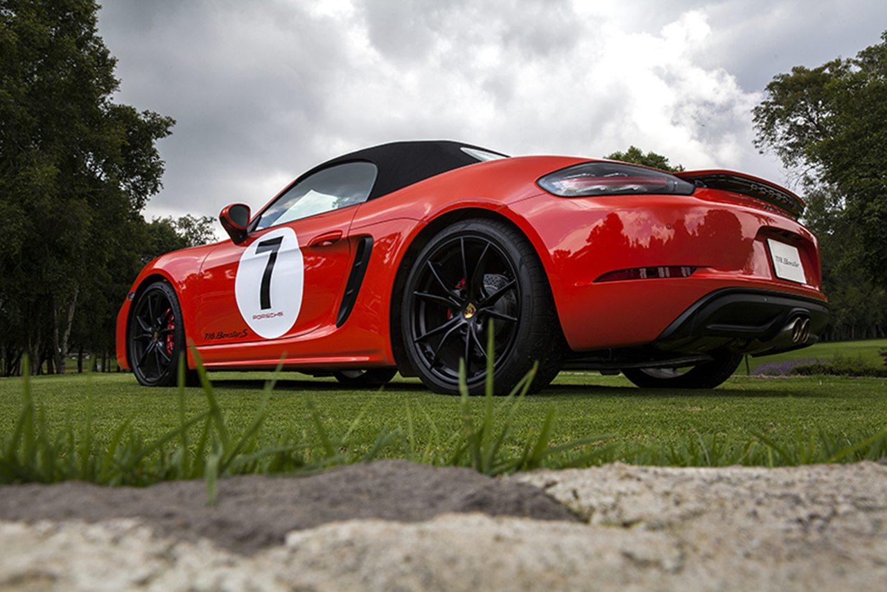 La nueva generación del Porsche Boxter se instala en México