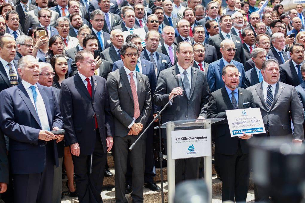 Gobiernos van y vienen, la Coparmex sigue: Gustavo de Hoyos