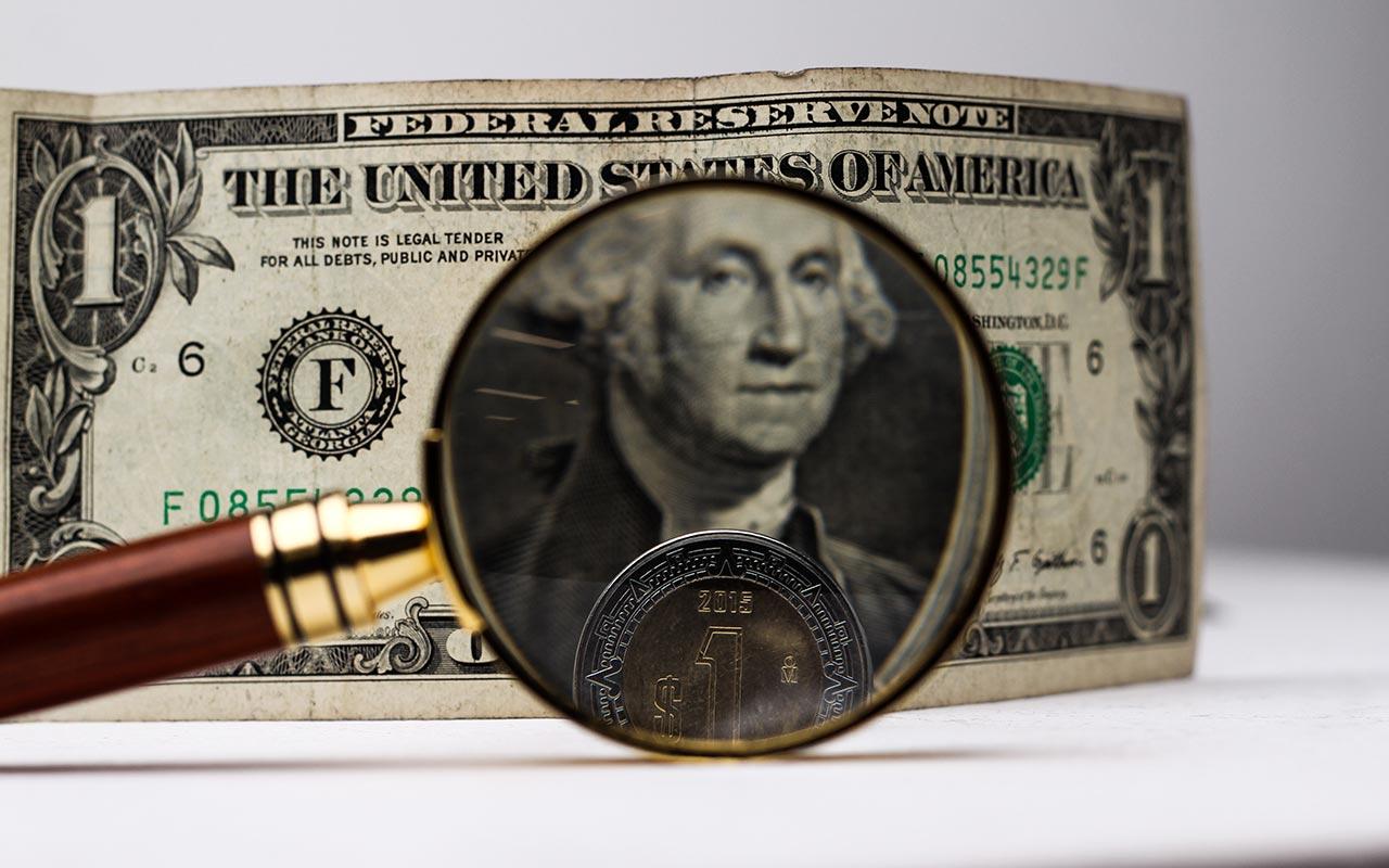 Peso retrocede por temor a política fiscal de Trump