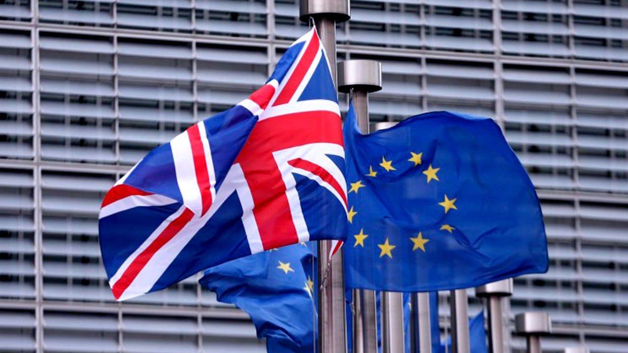 Gabinete británico respalda plan de May para el Brexit