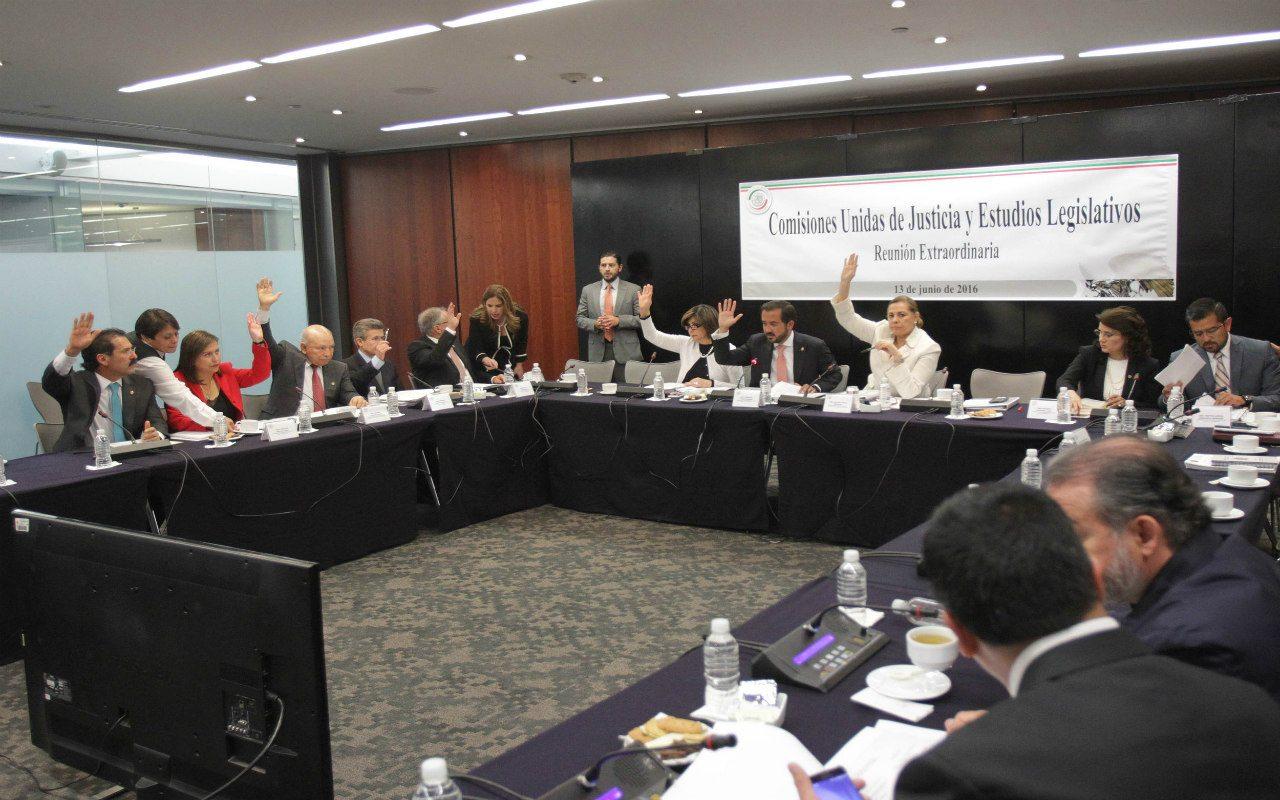 Avanzan leyes anticorrupción en el Senado