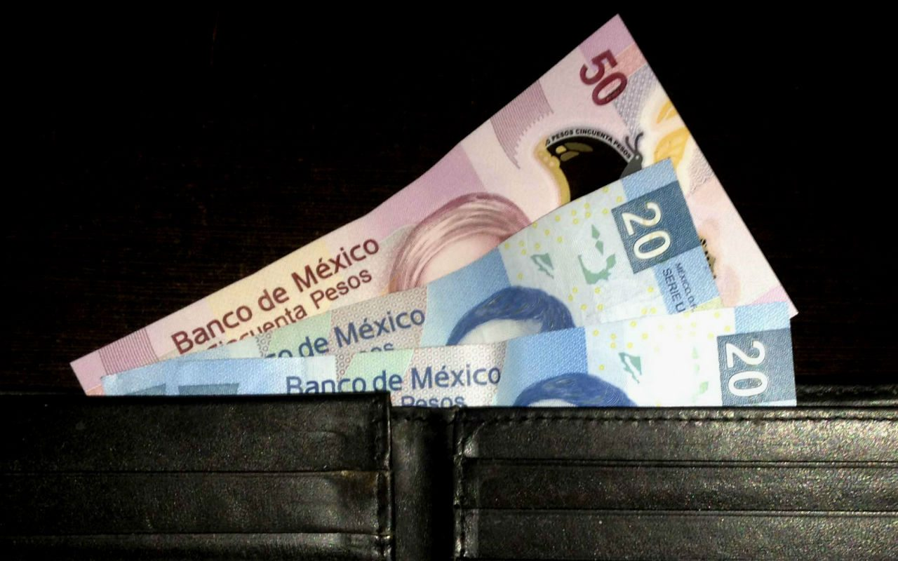 Salario mínimo subirá a 88.36 pesos en diciembre