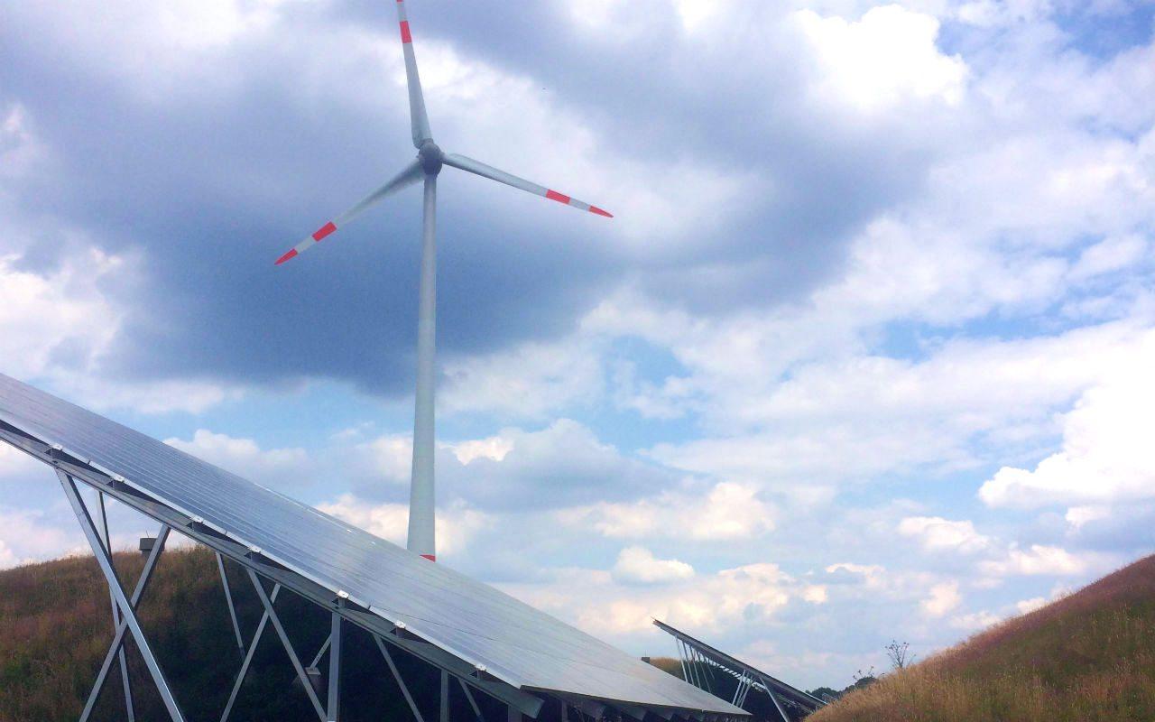 Greenpeace obtiene suspensión contra política eléctrica de la 4T