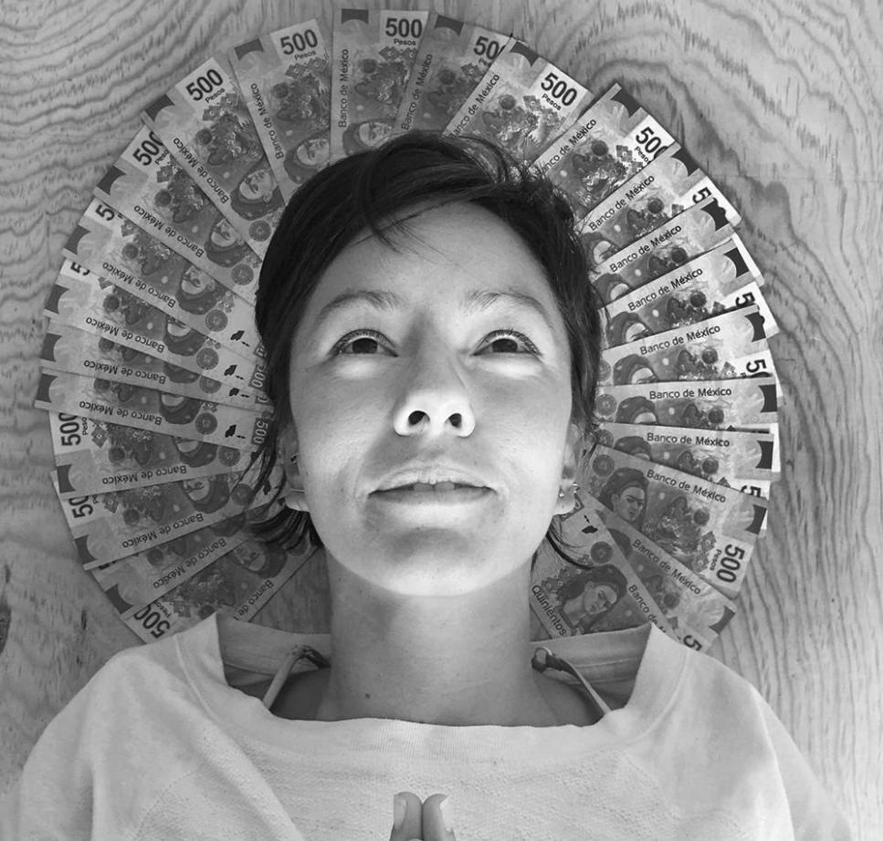 El Telar de la abundancia: lavado de cerebro, deudas y amenazas