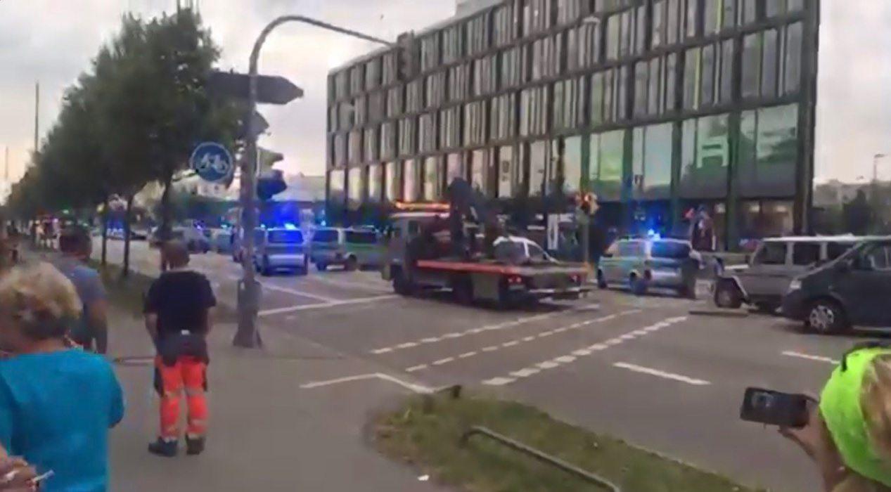 Policía considera terrorismo el tiroteo en centro comercial de Múnich
