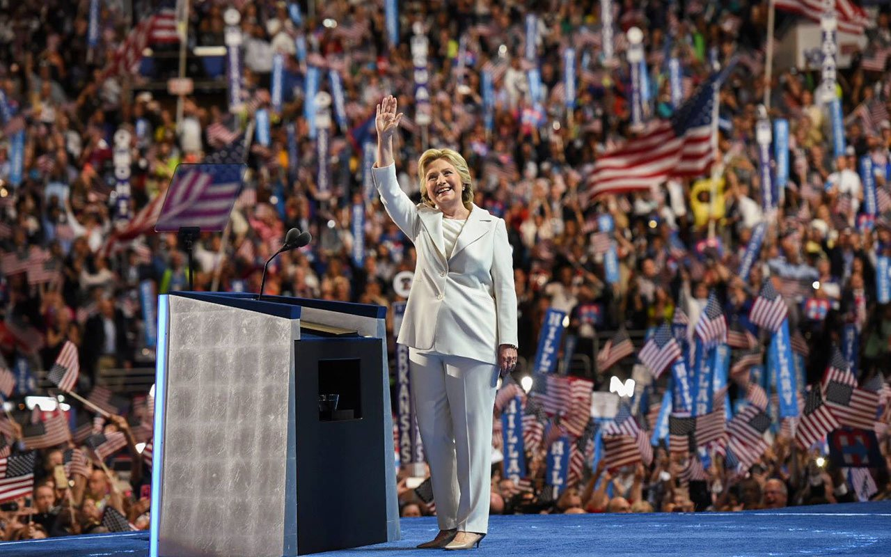 Partido Demócrata demanda a Rusia, a Trump ya WikiLeaks por interferencia electoral