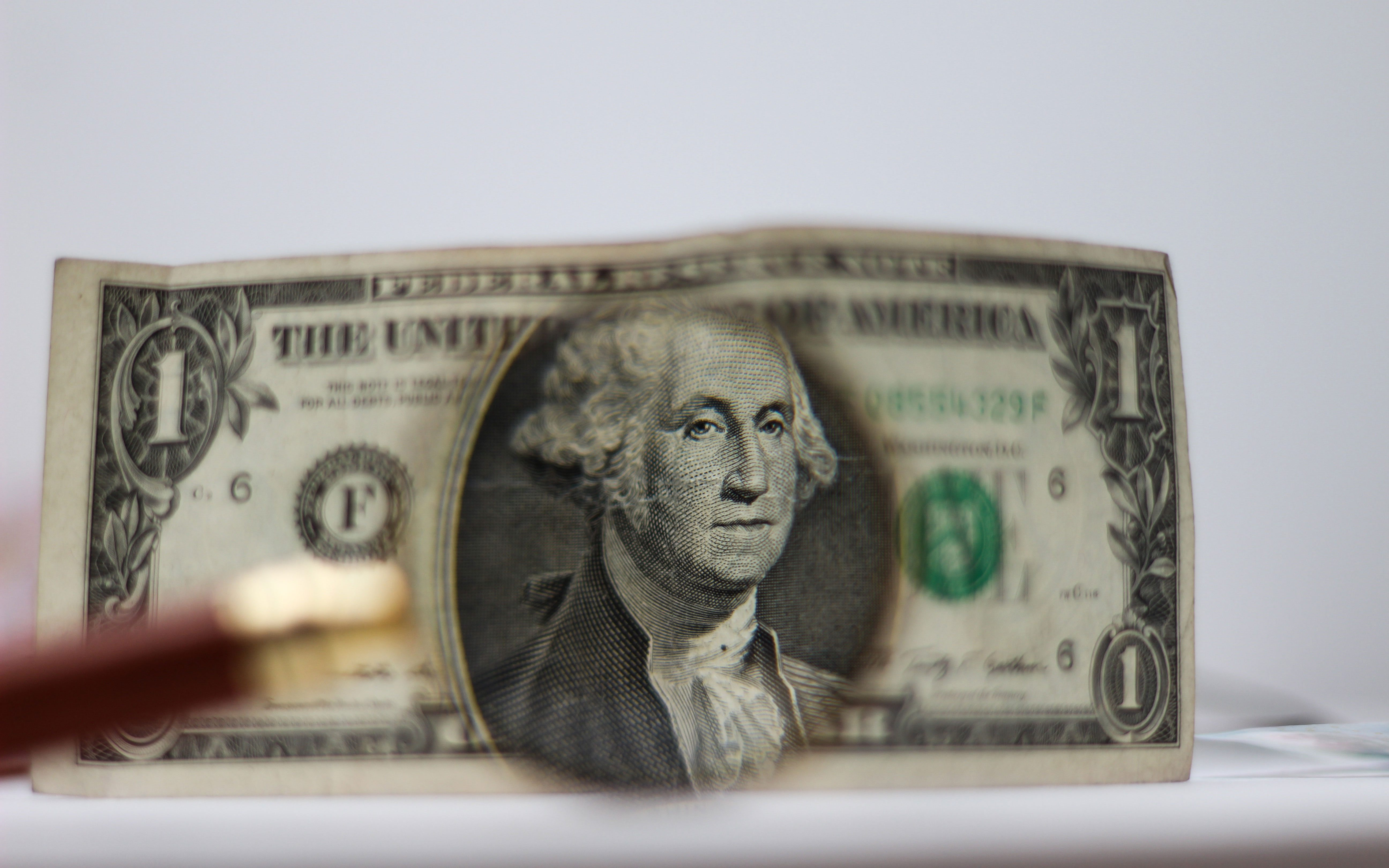 SHCP plantea techo de endeudamiento neto externo de 5.3 mil mdd