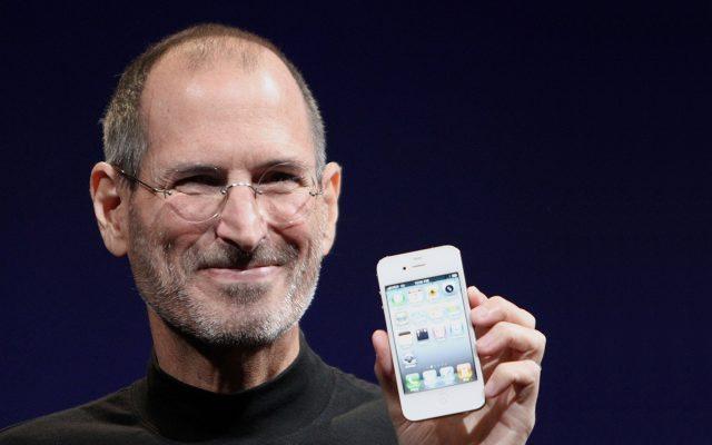 Steve Jobs presentando el iPhone 4. (Foto: Reuters.)
